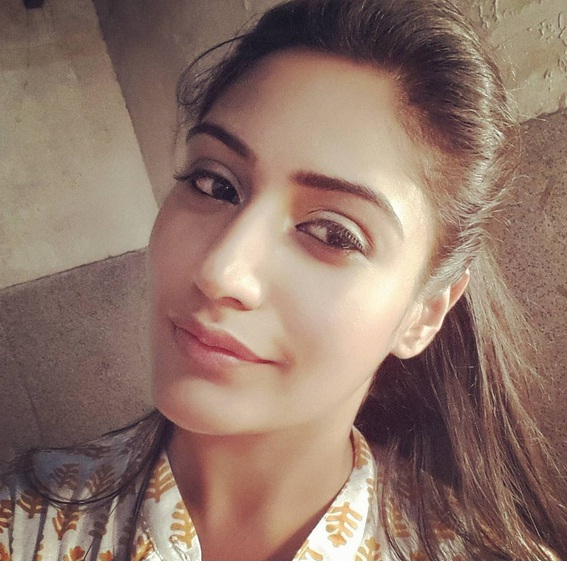 Surbhi Chandna Wiki Biography, Pics, Age, Video, Wallpaper, Personal Profile,Tv Serial, Indian Hottie