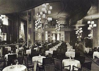 Café Trumpf in Berlin circa 1936