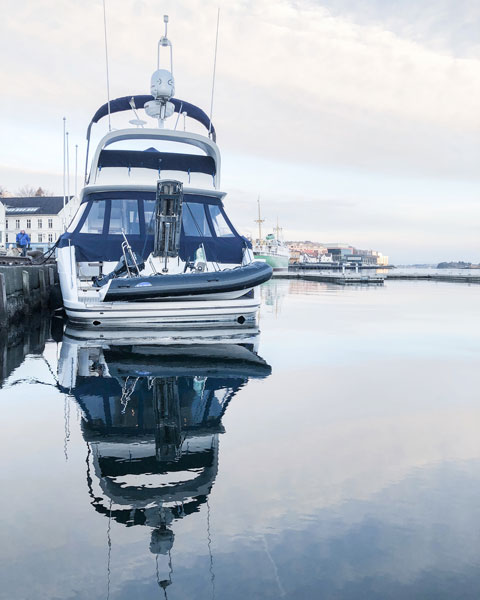 iphone x photography reflection sea harbour stavanger boat norway photo