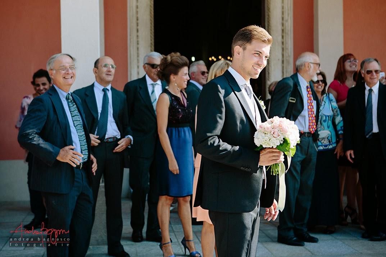 sposo fuori dalla chiesa matrimonio Savona