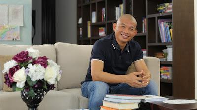 Diễn giả, luật sư Phạm Thành Long