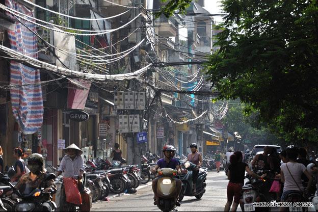 hanoi-street-scooters-vietnam
