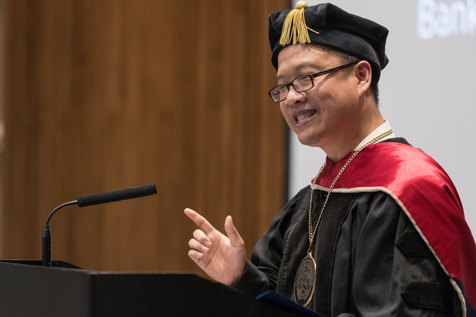 """UIS People: Feng-Shun """"Leo"""" Bin named the PNC Distinguished"""