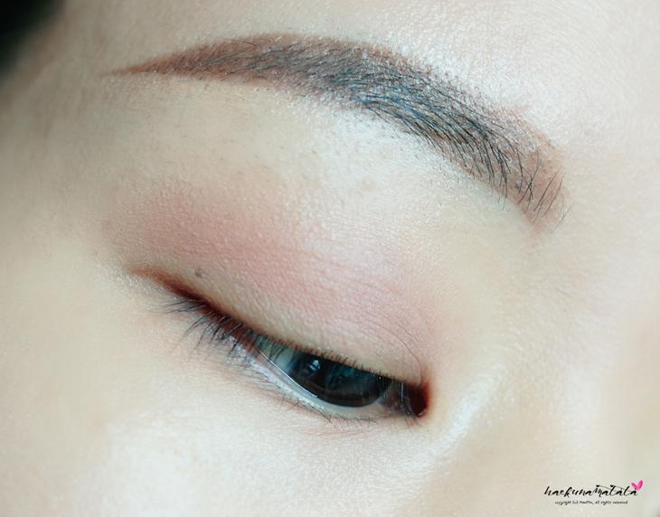Simple Purple Eye Makeup Tutorial - Laura Mercier Fresco & Caviar Stick Orchid