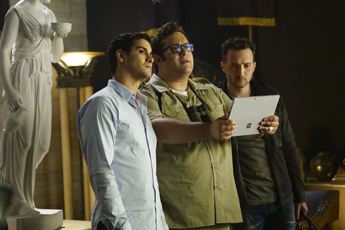 Scorpion - Season 3 Episode 05: Plight at the Museum