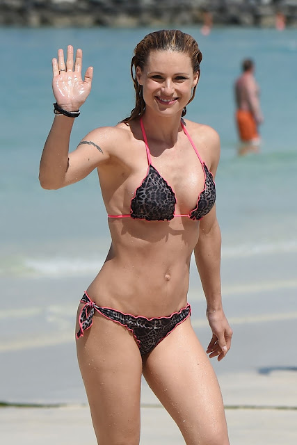 Michelle Hunziker in #Bikini #Beach in #Dubai | Stunning Actress