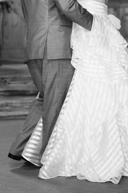 bridal portraits hayley paige bridal pine lake ranch texas bride hermann memorial park houston texas houston bride kate spade tiffany and co pearl necklace weddings texas weddings sarah carpenter photography