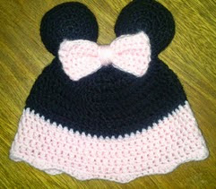 http://crocheteandoconimaginacion.blogspot.com.es/2014/05/gorrito-minnie.html