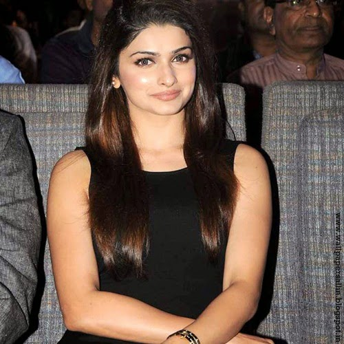 wallpaper of prachi desai