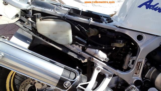 desmontar moto para ver cables