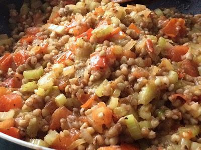 Obiad z kaszy i warzyw