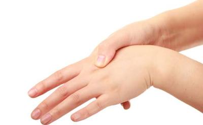 Bahaya Membunyikan Persendian Jari dan Tulang Leher