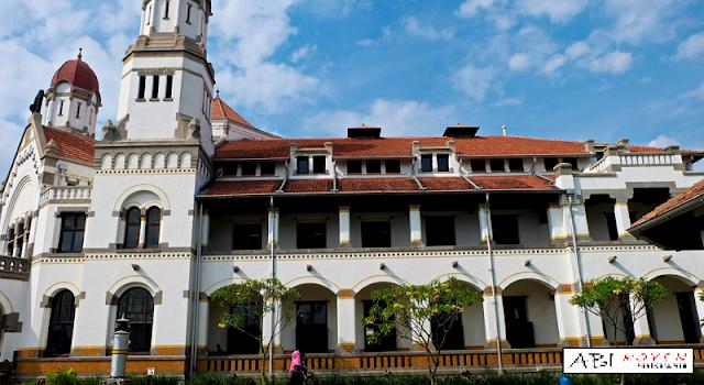 Destinasi Wisata Terbaik di Kota Semarang Lawang Sewu