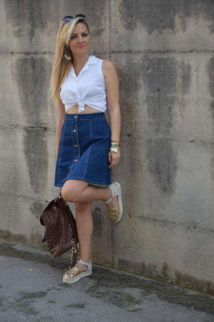 gonna di jeans con bottoni davanti come abbinare la gonna di jeans con bottoni davanti how to wear denim skirt with bottons mariafelicia magno fashion blogger colorblock by felym outfit luglio 2016 outfit estivi summer outfits july outfits fashion blogger italiane fashion bloggers italy