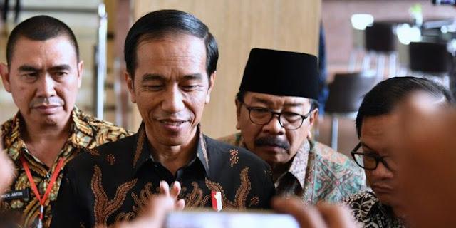 Jokowi: Anak-anak boleh main Facebook saat usia 13 tahun