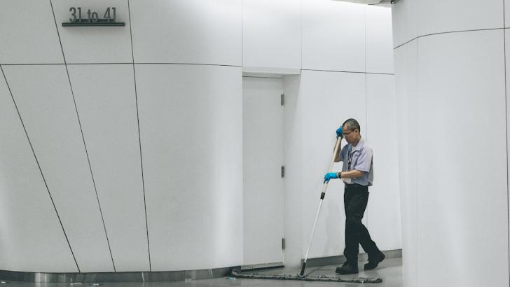 Kisah Duka Kerja Sebagai Cleaning Servis Gaji UMR Dan Non UMR