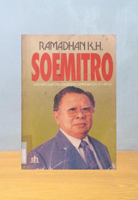 SOEMITRO DARI PANGDAM MULAWARWAN SAMPAI PANGKOPKAMTIB, Ramadhan K.H.