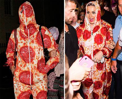 cara delevigne y katy perry usando ropa con textura de pizza
