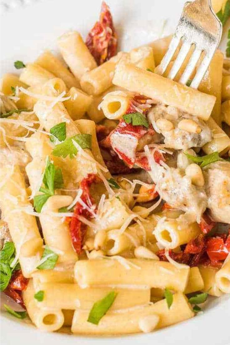 Delicious Chicken Alfredo Pasta