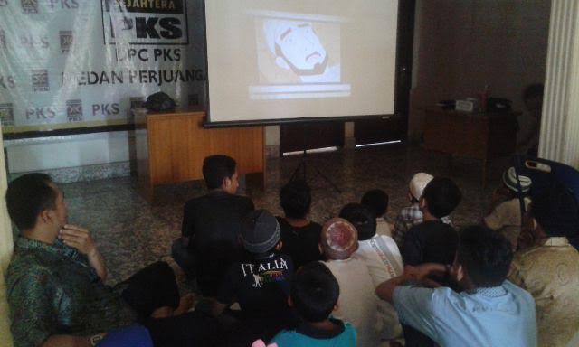 PKS Medan Perjuangan Santuni dan Nonton Bareng Anak Yatim