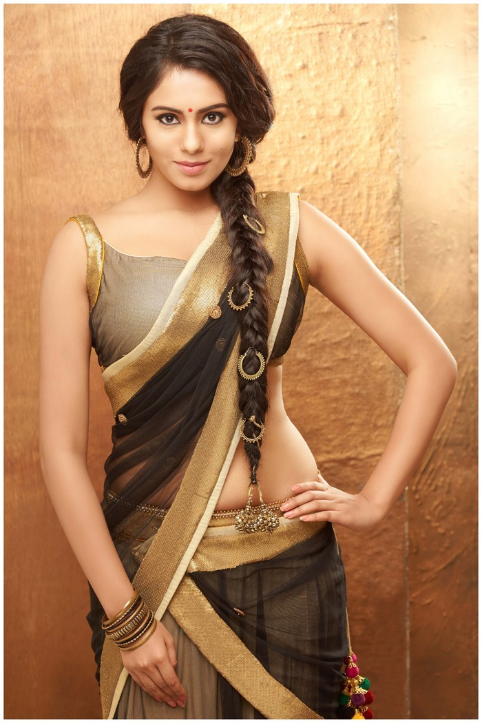 Actress Deepa Sannidhi Gorgeous Photos