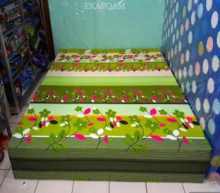 Kasur inoac motif bunga sakura hijau