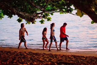 the descendants-nick krause-amara miller-shailene woodley-george clooney