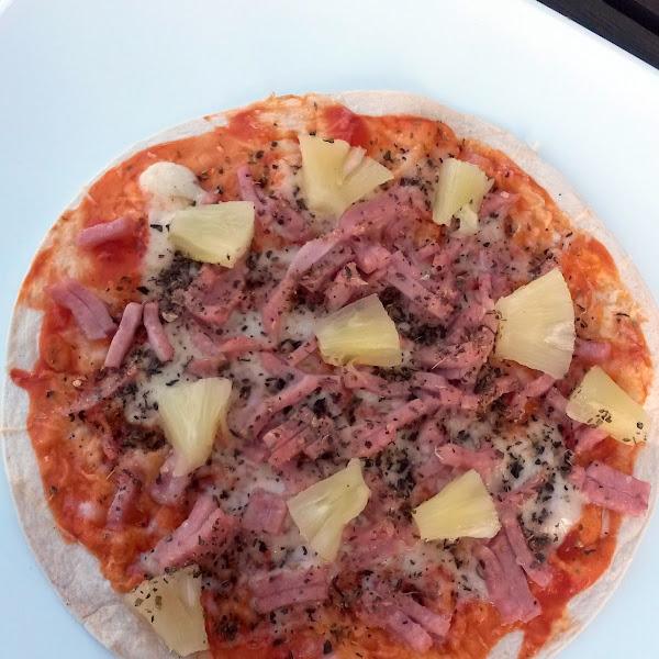 Kiire pitsa tortillapõhjal