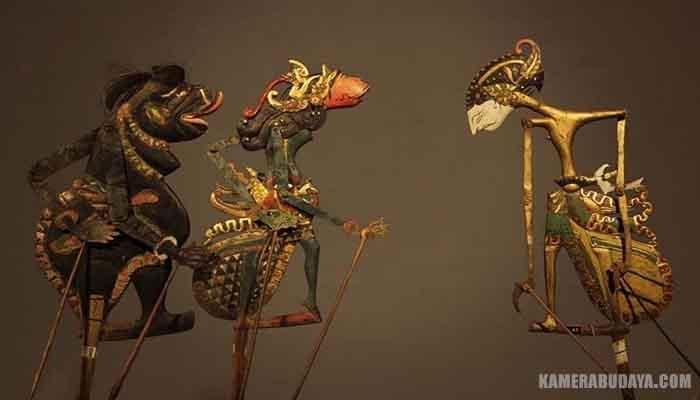 Wayang kulit purwa adalah pertunjukan wayang kulit jawa yang mengambil cerita dari zaman permulaan atau zaman purwa (kuno). Inilah 5 Jenis Wayang Yang Ada di Indonesia | Lensa Budaya
