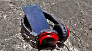 Tecno-J8_Boom-Headphone