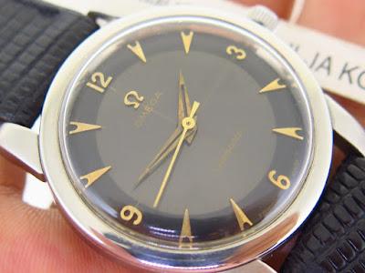 Cocok untuk Anda seorang Omega mania yang memang sedang mencari jam tangan  Omega model seperti ini... OMEGA SEAMASTER BLACK CROSS HAIR DIAL -  MECHANICAL ... e731cb6929