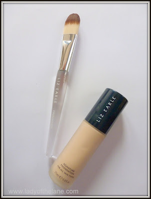 Liz Earle Signature Foundation