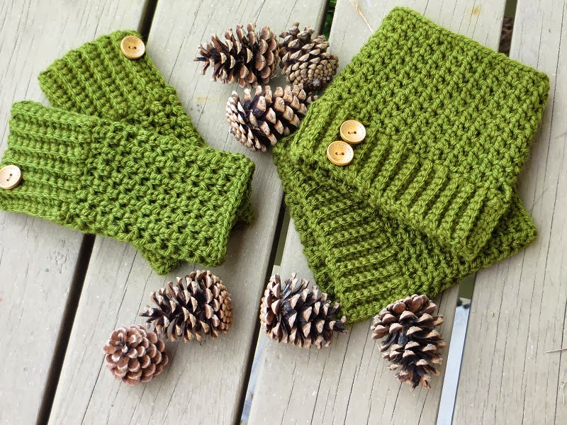 Crochet Dreamz: Brooklyn Fingerless Mitts or Wrist Warmers, Free ...