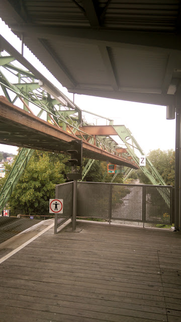 Wuppertal, Germania si monorailul