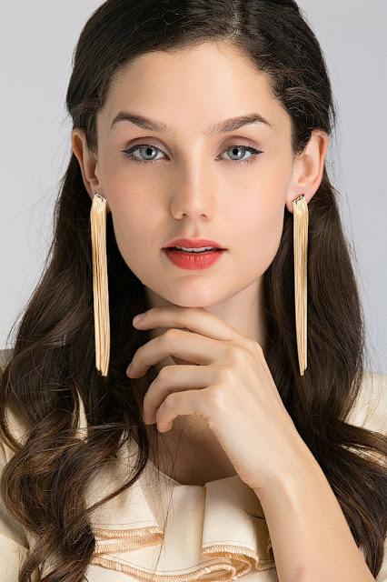 como elegir los accesorios, como combinar los accesorios, moda, fashion, tendencias, como llevar accesorios con estilo, estilo, look, asesora de imagen