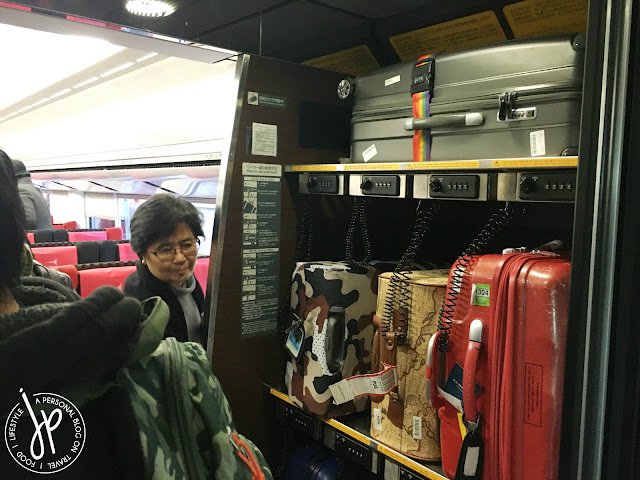 luggage storage in train