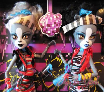 Куклы кошки Мяулодия и Пурсефона из серии Монстер Хай Зомби Шейк