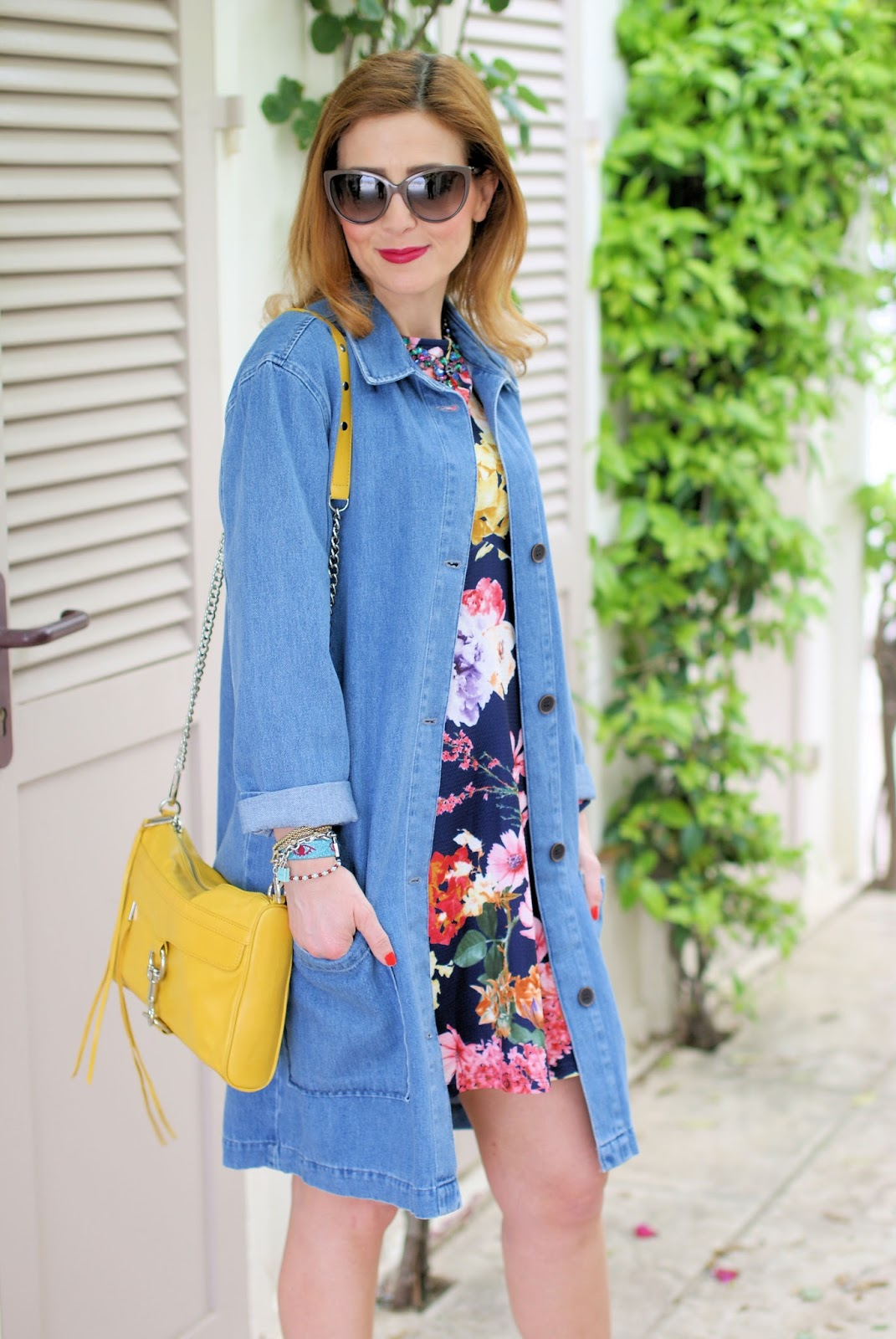 Zara denim coat on Fashion and Cookies fashion blog, fashion blogger style