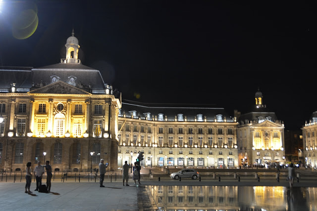 Place de la Bourse Bordeaux evening