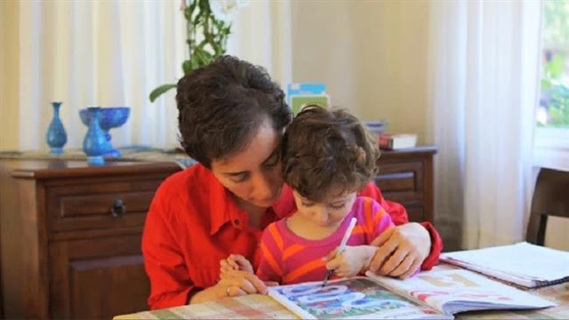 Maryam Mirzakhani and her daughter Anahita