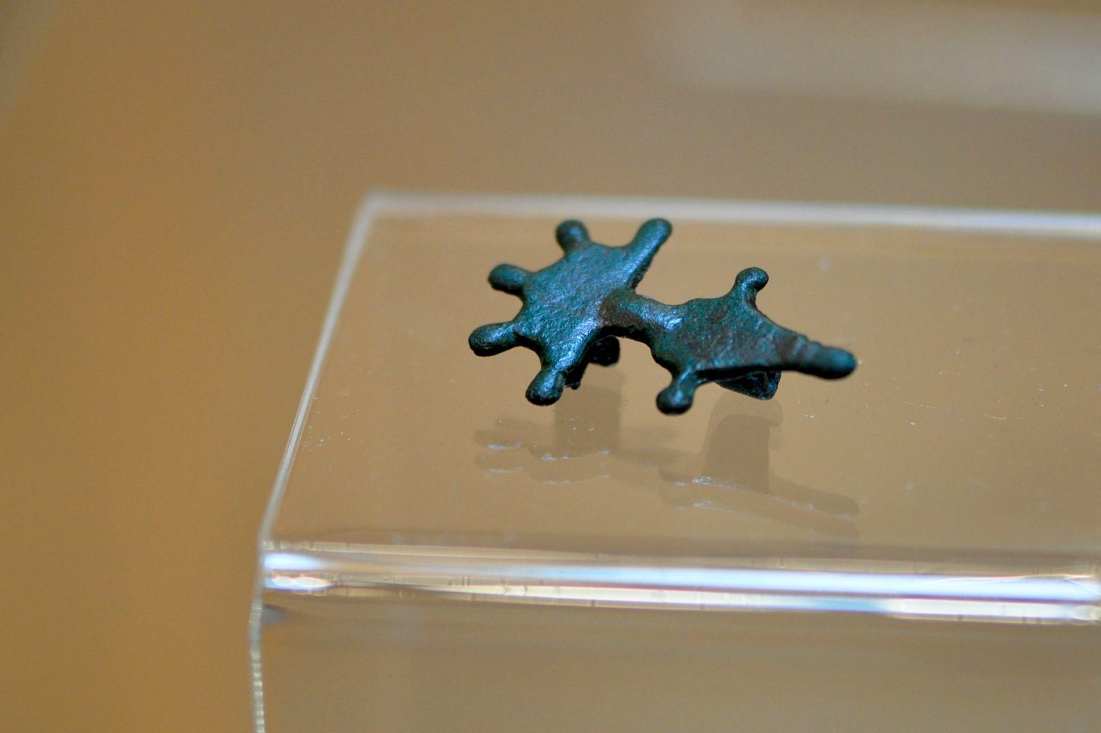 Datowanie metalowych artefaktów