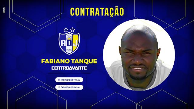 9d78e8a4c2 O centroavante Fabiano Tanque acertou nesta segunda-feira