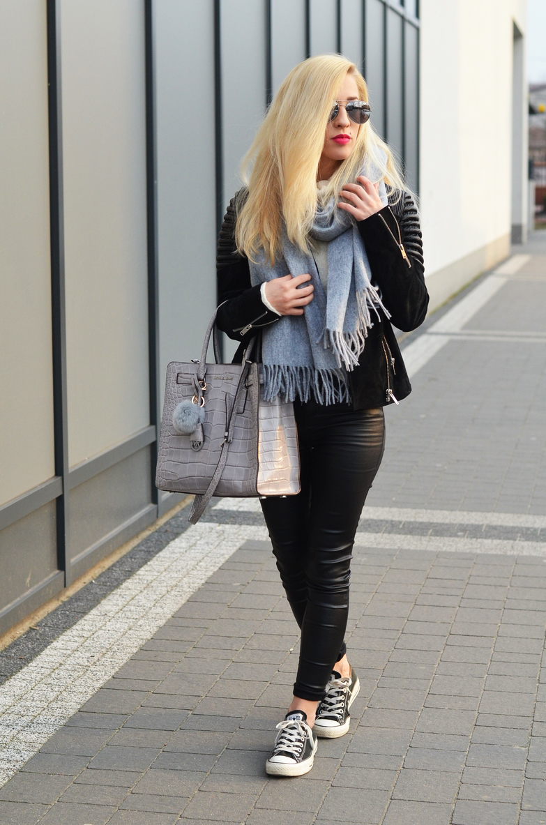 gray woolen scarf, biker jacket, casual, simple