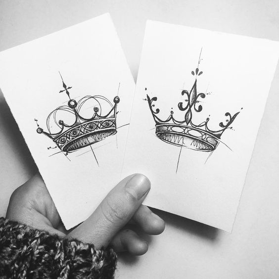 17 Gorgeous Crown Tattoos and Meanings