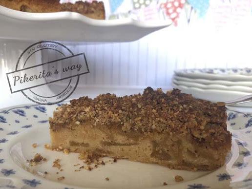 Pastel de manzana con crumble de avellanas y canela