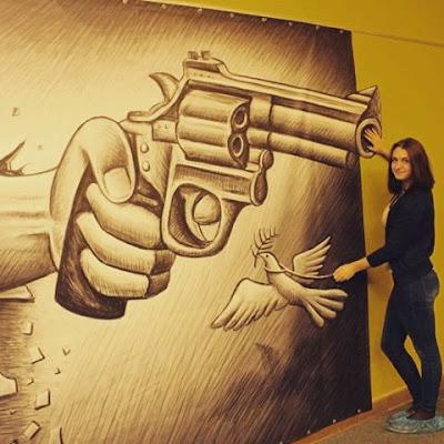 Бен Хайне Россия - Ben Heine Art Exhibitions in Russia - Pencil Vs Camera - Карандаш против камеры 2015 - Ben Heine photos from Fans