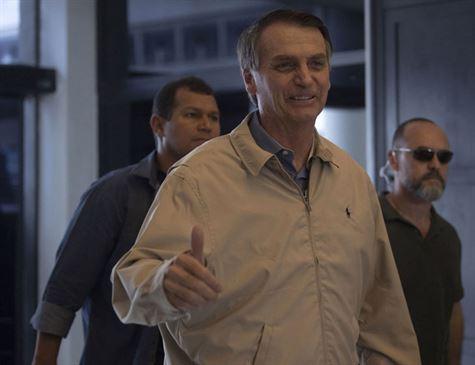 'Já adverti o garoto', diz Bolsonaro sobre filho ter falado em fechar STF