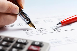 How to become a tax consultant