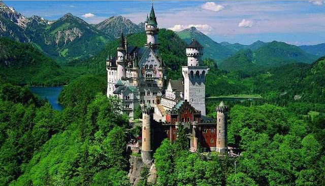 Lima Bangunan Indah Berikut Jadi Inspirasi Latar Tempat Dalam Film Disney