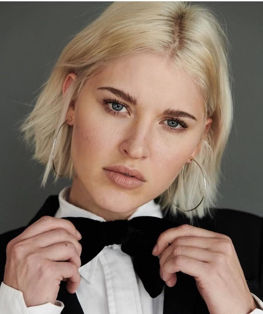 Sarah Grey 12